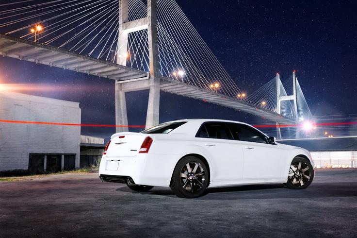2012 Chrysler 300 SRT8: Bridge