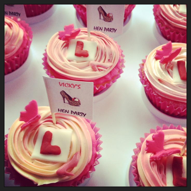 Super cute hen party cupcakes- great for afternoon tea with the girls before your big day!