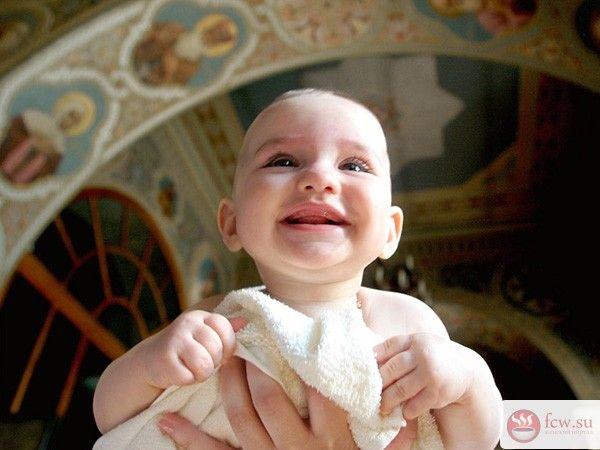 Как покрестить ребенка в православной церкви? https://www.fcw.su/blogs/vsjakaja-vsjachina/kak-pokrestit-rebenka-v-pravoslavnoi-cerkvi.html  Многие жители наших широт относят себя к православным христианам и считают необходимым крестить своих детей, но не все знают, что для этого нужно. Следует понимать, что крещение – это не обряд и не какая-то короткая процедура, а одно из семи таинств церкви. Оно совершается один раз в жизни, и к нему требуется серьезная подготовка.