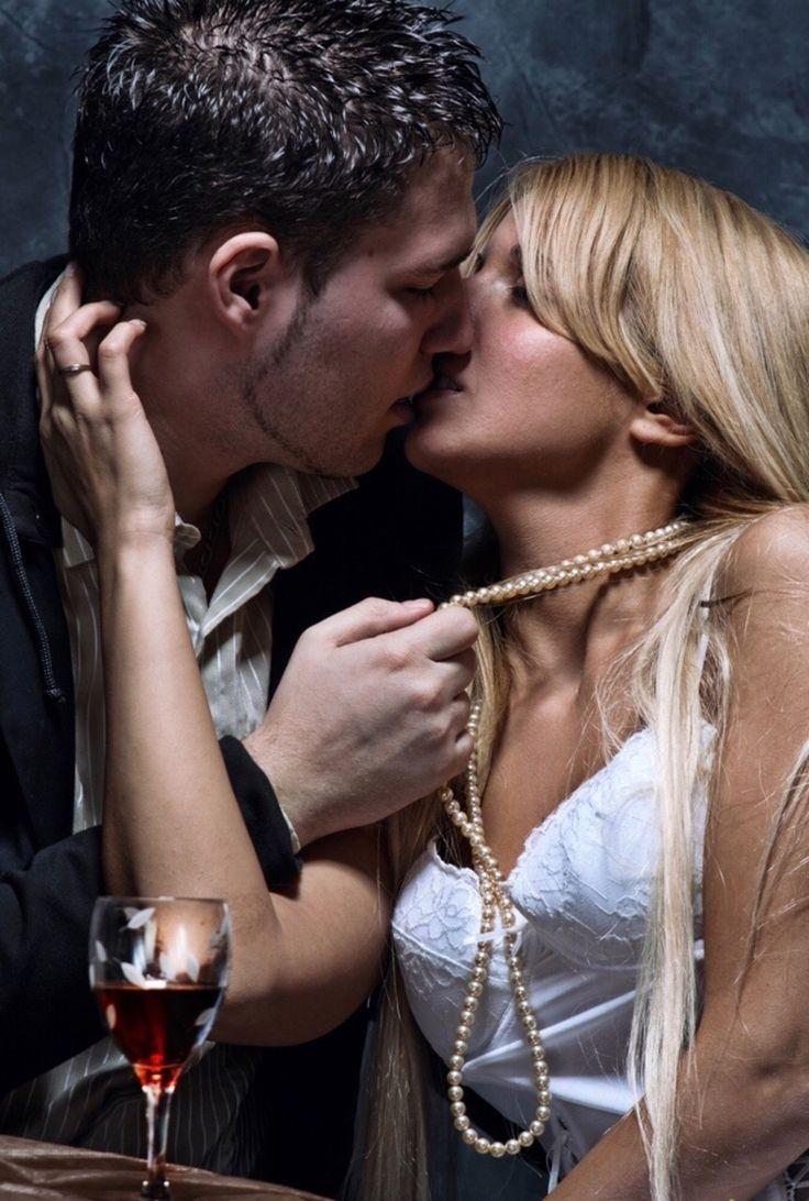 одной поцелуй для жены картинка чем въехать квартиру