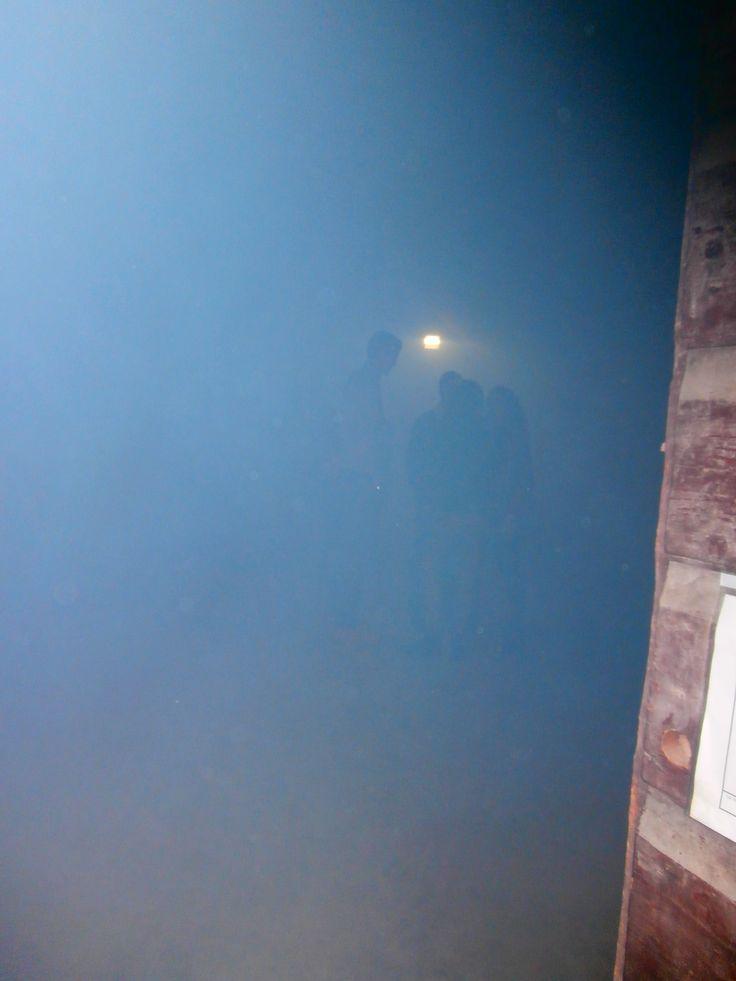 Sala polifunzionale con macchina del fumo...