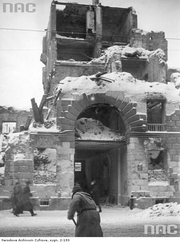 Warsaw. Ruins of building. 1939.