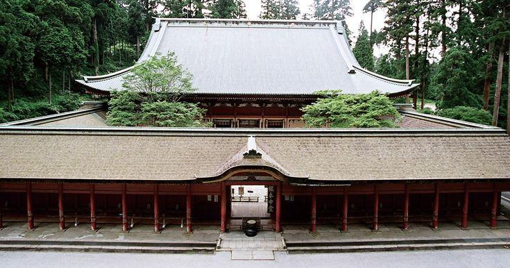 ご案内 「延暦寺」とは、比叡山の山内にある500ヘクタールの境内地に点在する約150ほどの堂塔の総称です。延暦寺という一塔の建造物があるわけではありません。…
