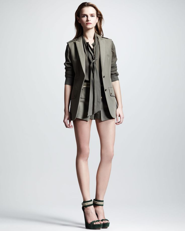 http://ncrni.com/belstaff-easton-sleeveless-colonial-blazer-hammond-voile-shirt-everly-colonial-shorts-p-4426.html