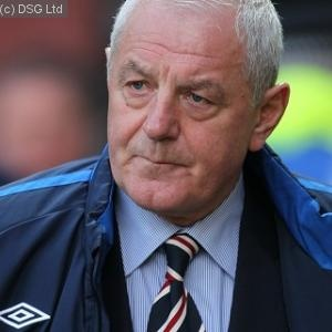 Walter Smith launches bid to buy Rangers