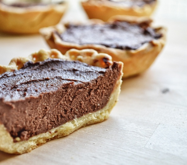 פאי שוקולד: Chocolate Pies, שוקולד טבעוני, Vegan Desserts, Vegan Recipes, Vegan Sweets, Favorite Recipes, Vegan Food, פאי שוקולד
