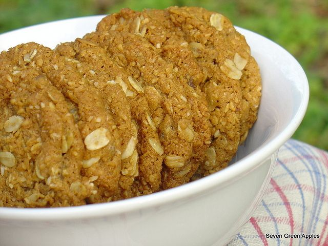 Seven Green Apples | Applezacs aka Apple Anzac Biscuits (Anzac biscuits with an apple twist)