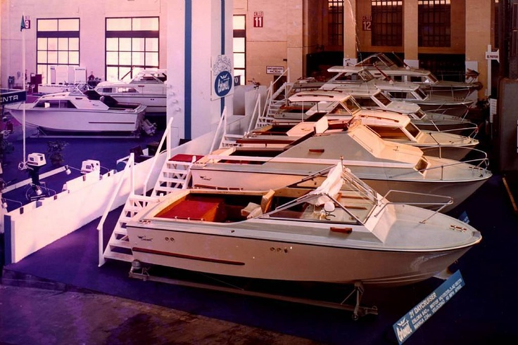 Coronet 21 DC at Barcelona Boat Show, 1971.