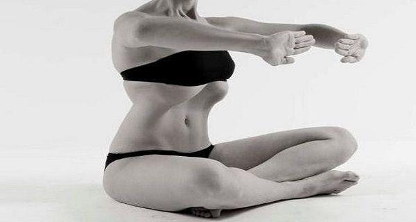 Это упражнение — самый простой способ обрести тонкую талию и плоский живот!Журнал The Best
