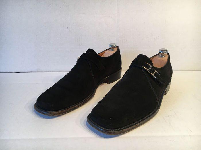 Hermès - Moccasins  Nette zwarte moccasins van het merk hermes. Schoenen zijn van zwart suede. Met dubbele H gesp. De maat is 43. De schoenen zijn gedragen maar nog in goede staat. Zonder schoenspanners  EUR 1.00  Meer informatie