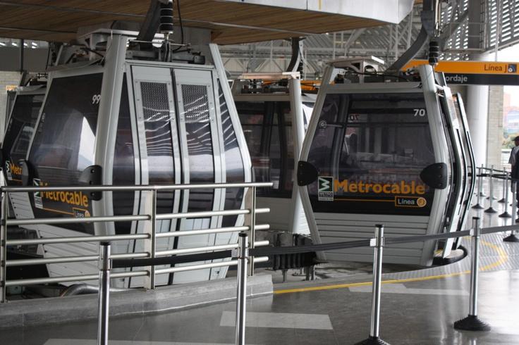 Otra atraccion de Medellin, el metro...de turismo por la capital de la montaña