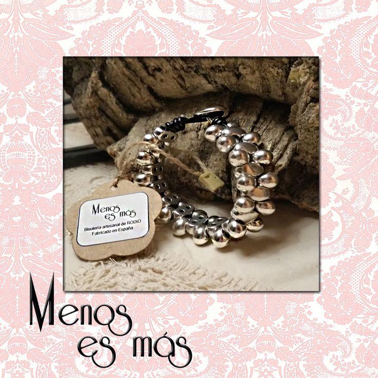 Brazalete Tears. Made in Spain. www.menosesmasmoda.com