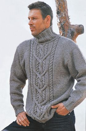 Strik denne maskuline, højhalsede sweater med flot snoningemønster