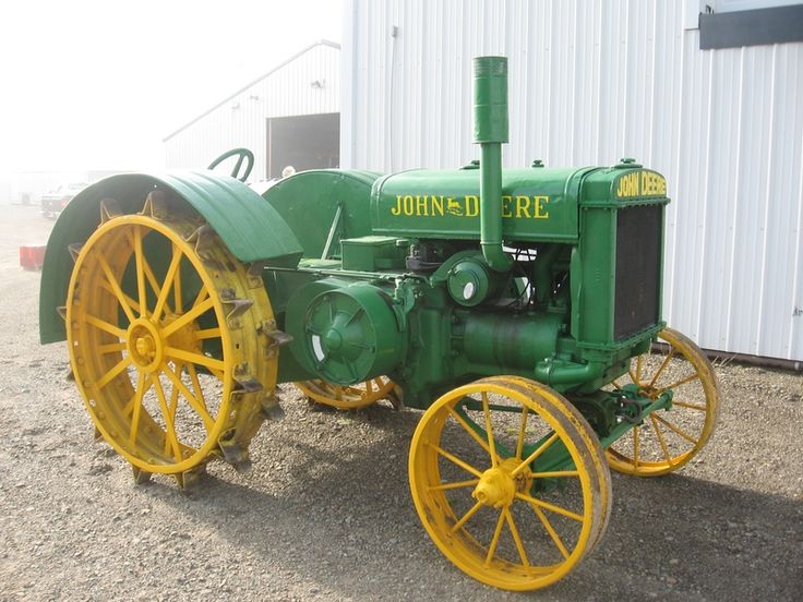 Old John Deere Tractors Are Brought Back to Life.John Deere  Model D