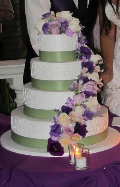 plum and gold weddings   plum and sage wedding at Vista De Oro