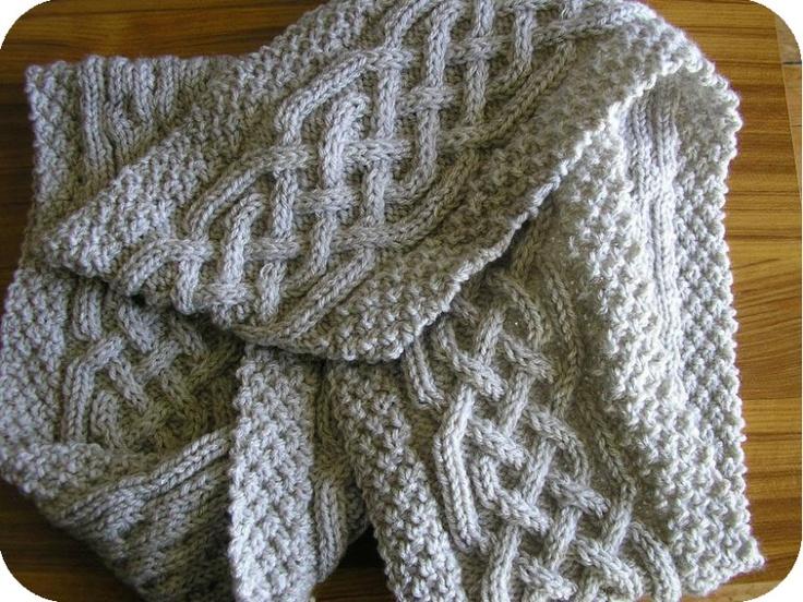 1000 id es sur le th me charpes torsades sur pinterest charpes en tricot tricot - Faire une boutonniere au tricot ...