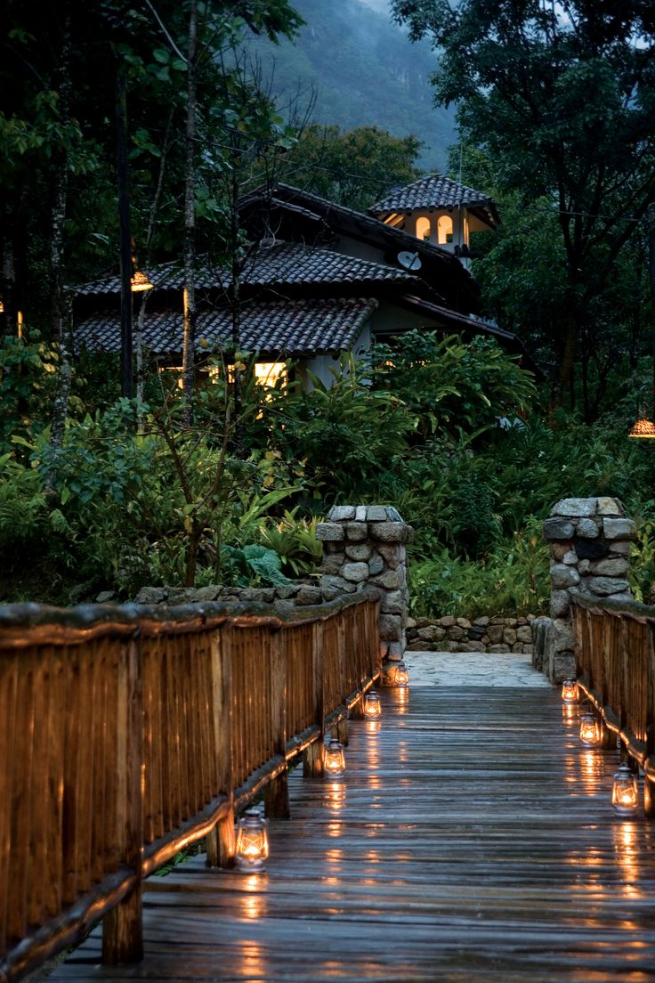 A walkway at Inkaterra Machu Picchu Pueblo Hotel