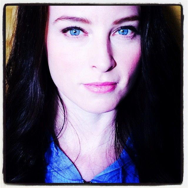 """""""She's baaaaack!"""" Rachel Nichols goes back to brunette for the start of filming for Continuum season four. - March 25, 2015 (via ticklenichols on Instagram)"""