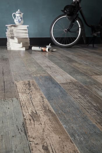 @sant_agostino: wall/floor tiles with #wood painting effect