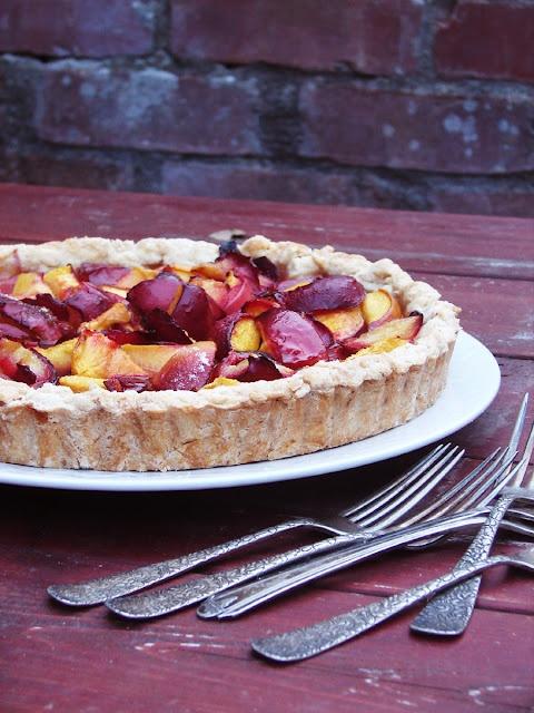 peach and plum tart | FOOD | Pinterest
