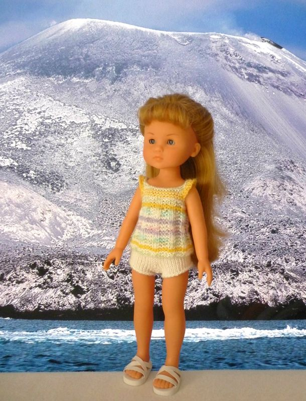 Short blanc et top multicolore pour poupée Chérie: 1) http://marieetlaines.canalblog.com/archives/2014/11/17/30203194.html 2) http://p2.storage.canalblog.com/21/41/1066432/97979738.pdf
