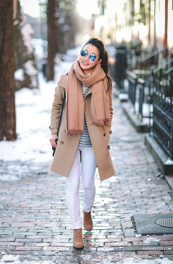 COOL BLUE + CAMEL // BURBERRY DAYLESMOORE WOOL TRENCH COAT Extra Petite waysify