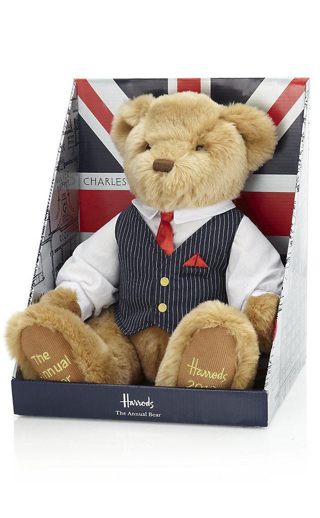 Prince William, Kate Middleton, Harrods Teddy Bear.  #RoyalBaby  #PrinceGeorgeOfCambridge
