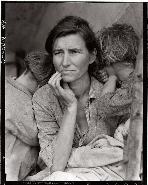 'Migrant Mother' 1936 Dorothy Lange. One of the most amazing photographs.