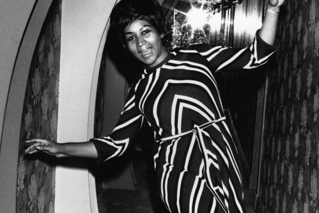 30 Years Ago: Aretha Franklin Becomes First Woman Inducted Into Rock and Roll Hall of Fame  Read More: 30 Years Ago: Aretha Franklin Becomes First Woman Inducted Into Rock and Roll Hall of Fame   http://ultimateclassicrock.com/aretha-franklin-rock-hall-of-fame/?trackback=tsmclip