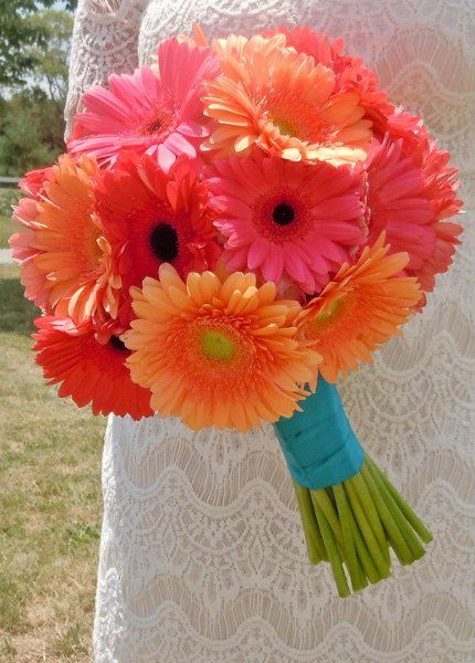 Beach Orange Pink Bouquet Daisy Spring Summer Wedding Flowers Photos & Pictures - WeddingWire.com