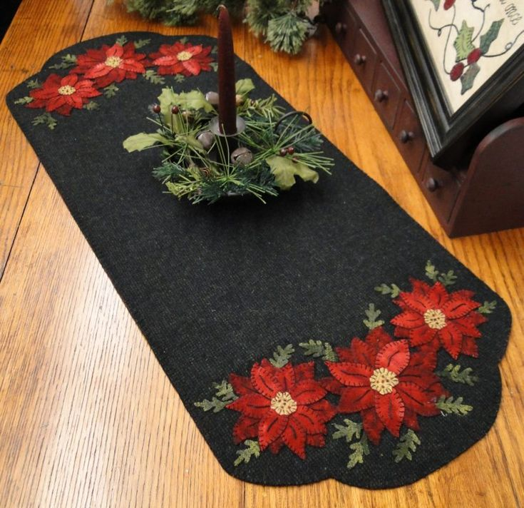 Poinsettia Runner - The Woolen Needle