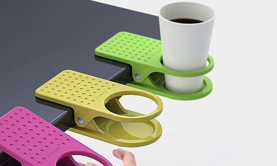 Don't want to spill your drink on your desk and ruin your computer? Use this Desk Drink Clip! It clips onto your desk and securely holds your drink, with no risk of being spilled. #cupholder #coffee