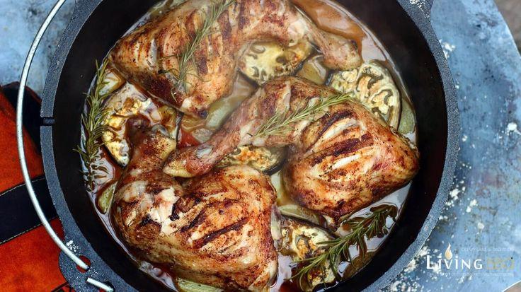 Das heutige Cajun Hähnchenschenkel Rezept habe ich im Dutch Oven von Petromax zubereitet. Hähnchenschenkel aus dem Backofen sind allgemein ja sehr beliebt. Meine Hähnchenkeulen aus dem Dutch Oven werden genauso schön knusprig und saftig wie die Hähnchenkeulen aus dem Backofen. Hähnchenbrustfilet ist ja oftmals etwas langweilig. Aber wenn ...