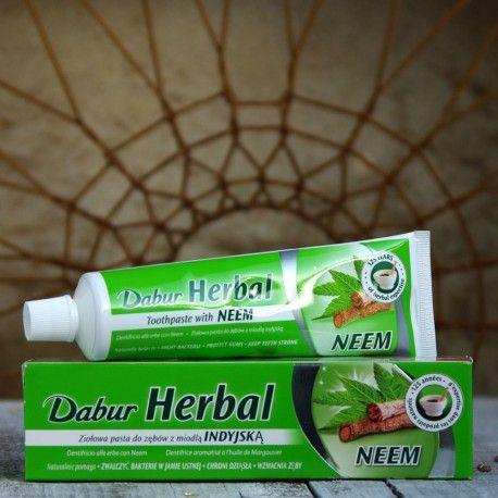 Ajurwedyjska pasta do zębów z neem 100ml Dabur.  Nie zawiera fluoru. 100% wegetariańska. Nie testowana na zwierzętach.