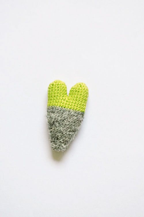 Crochet Heart Brooch Playful Autumn Winter Jewelry by domatoma, €16.00