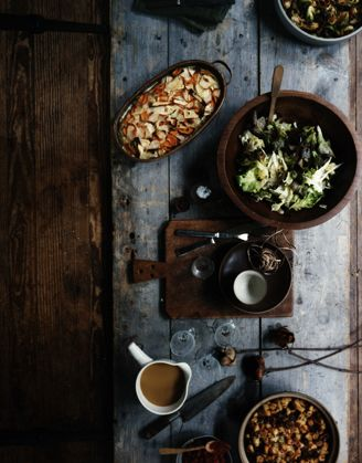food: Old Barns Wood, Health Food, Wooden Bowls, Food Style, Rustic Looks, Fall Food, Rustic Food, Dinners Tables, Food Photography Style