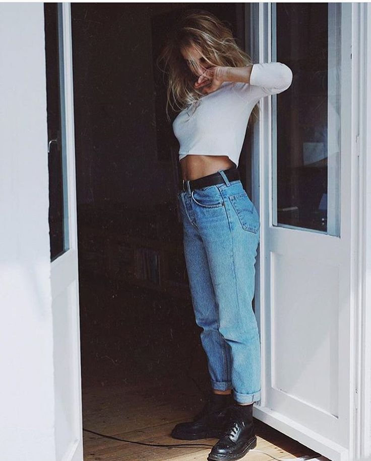 She knows how to rock vtg jeans #arizonagirls @cajaroli