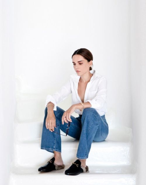 white shirt, classic jeans & clogs #style #fashion