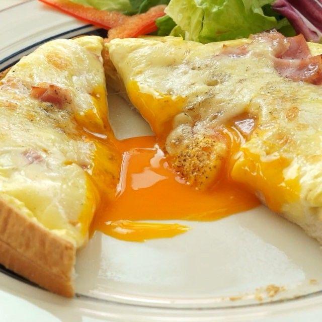 話題の「 #カルボナーラトースト 」もう試してみましたか? カルボナーラのトロッとした感じをトーストで再現!  材料 ・食パン 1枚 ・卵…