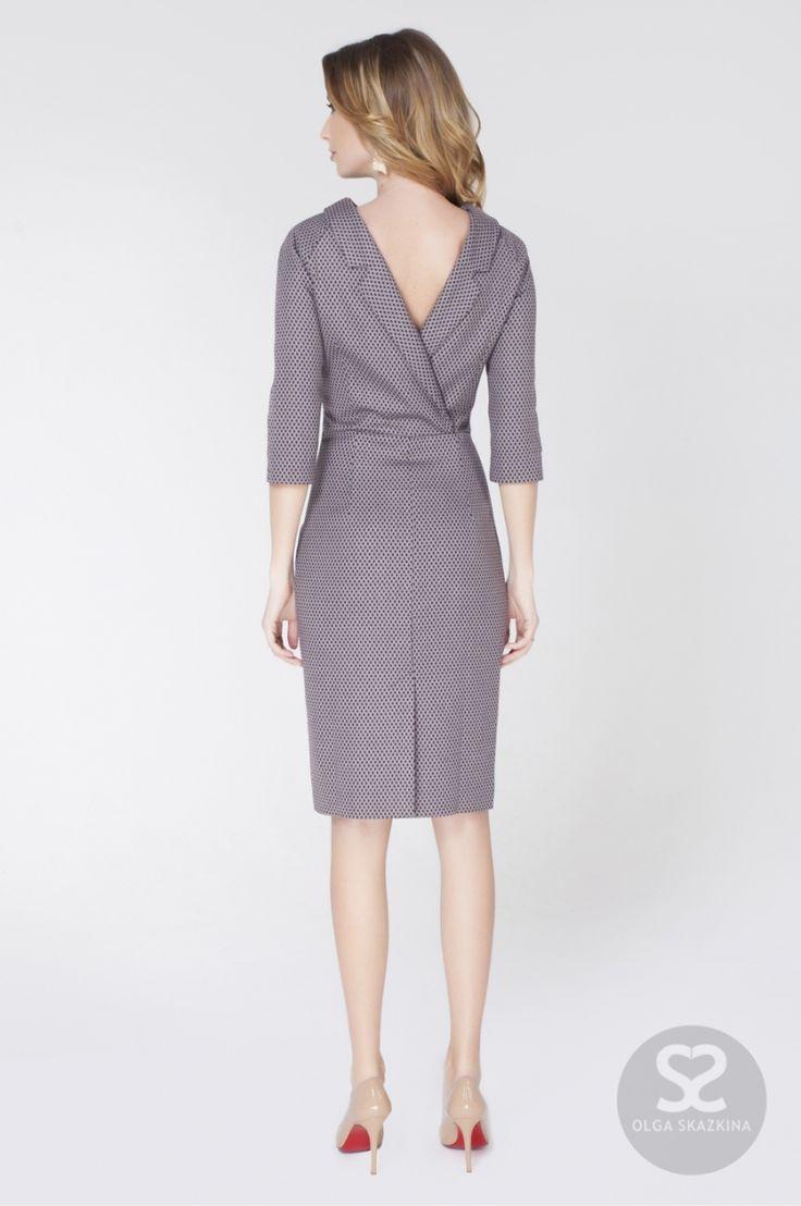 Платье футляр с открытой спиной из костюмной ткани   Skazkina