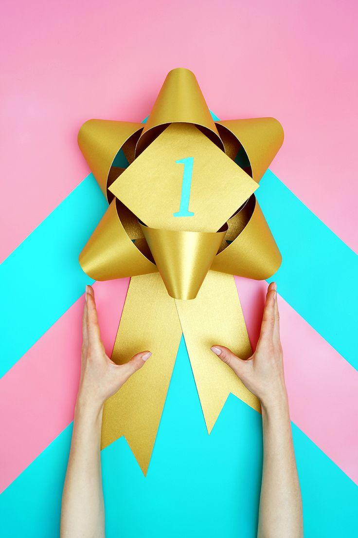 Sei es eine besondere Leistung, eine gute Tat oder einfach nur ein Anlass zum Feiern. Es gibt gar nicht genug Gründe einen geliebten Menschen zu ehren. Wer ist deine Nummer eins?  . . . #schleife #geschenkschleife #geschenkband #rosette #banderole #medaille #abzeichen #preis #auszeichnung #siegerehrung #preisverleihung #erfolg #gewinnen #sieg #trophäe #pokal #gold #eins #bow #deko #dekoration #papier #papierwaren #schmuck #geschenk #geschenkidee #geburtstag