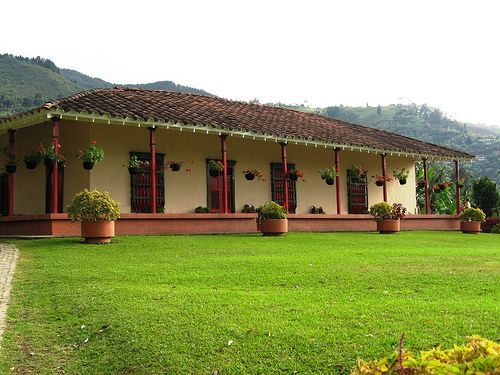 Casas rusticas de campo buscar con google finca for Casas campestres rusticas