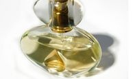 How to Make Homemade Pheromone-Based Scented Perfumes