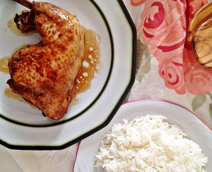 Soy sauce chicken Filipino's Mum style. Delicious, lazy and really Pinoy  http://www.nomadesgourmandes.com/blog/soy-sauce-chicken-filipino-mums-style