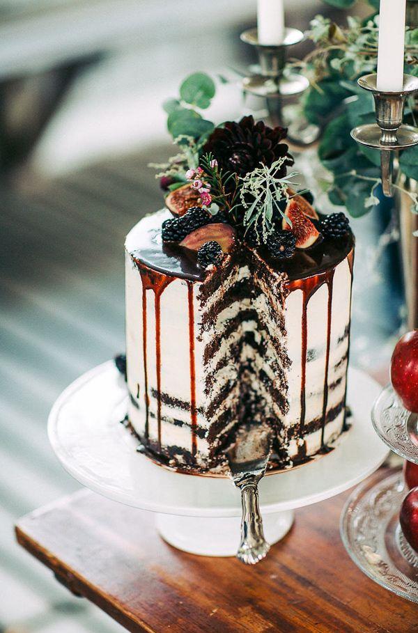 layered chocolate cake - photo by Petra Veikkola Photography http://ruffledblog.com/finnish-mansion-wedding-inspiration