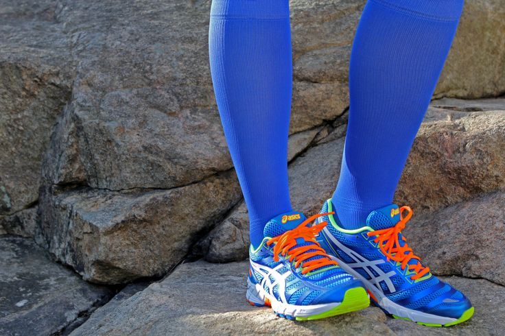 Compression socks from Gococo in Electric Blue color.