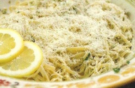 Pioneer Woman's Linguine with White Clam Sauce Recipe...use 3 cans of clans and add red pepper flakes to taste, added 1/2 lb shrimp