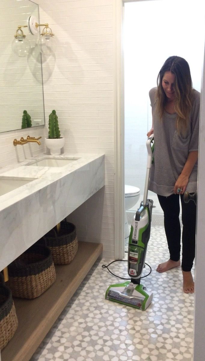 BECKI OWENS- Prepping for a photo shoot and I love how this Bissell Crosswave can go from tile, to carpet to wood @bissellclean!!. Easy Peasy!! #Bissell