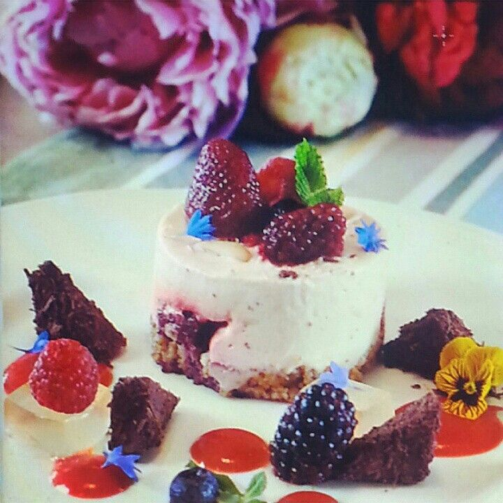 Who says you can't have treats that are still LCHF appropriate? Not us! In What The Fat book, we will have an entire section dedicated to low carb, healthy fat desserts and treats - including this gorgeous berry cheesecake!   #whatthefatbook #lowcarbhealthyfat #cookbook #lchfcheesecake #LCHF #dessert #healthyfat #cheesecake #jerf #whatthefat