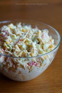 Składniki: - 1 czerwona papryka - 1 średni zielony ogórek - 1/2 puszki kukurydzy - 1/2 opakowania makaronu ryżowego - ok. 150g szynki ...